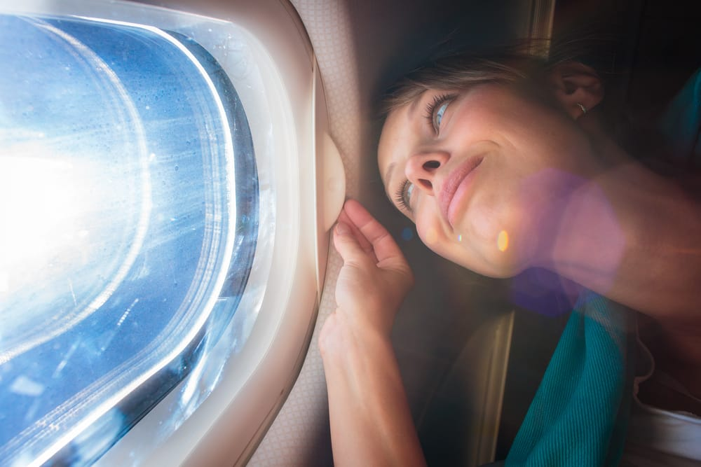How to take care of your skin on a plane
