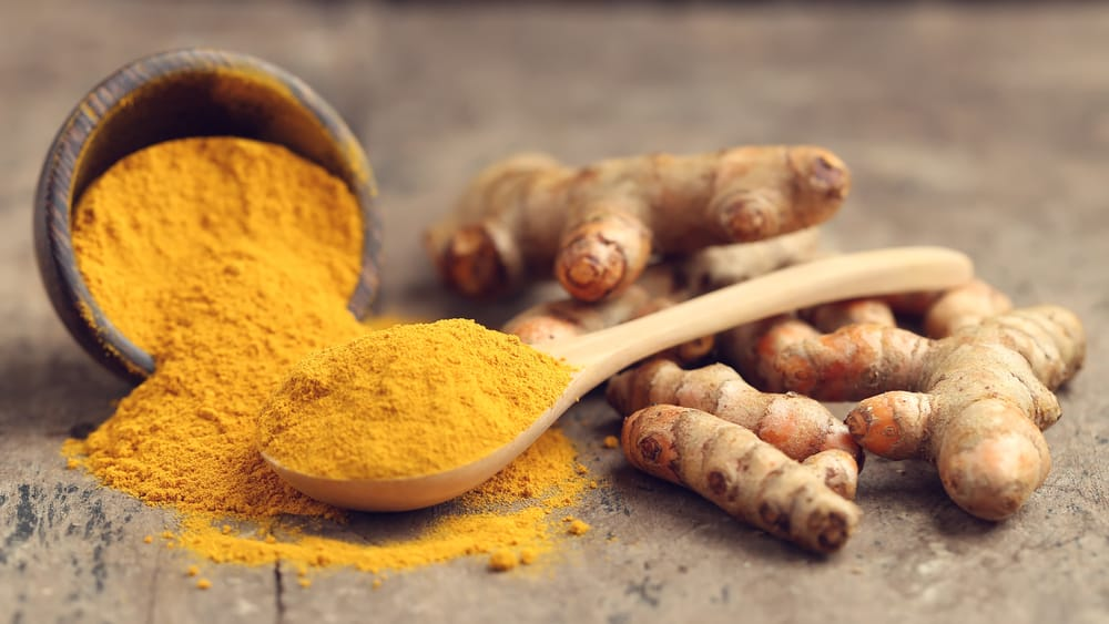 8 easy ways to boost your day with turmeric