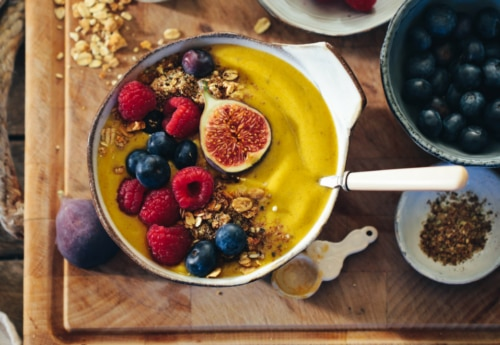 Rebel Recipes lemon & ginger smoothie bowl