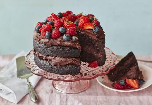 Lazy Weekend Recipes: Vegan Chocolate Fudge Decadence Cake
