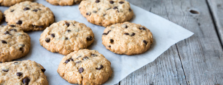 healthy oatmeal and chocolate chip cookies