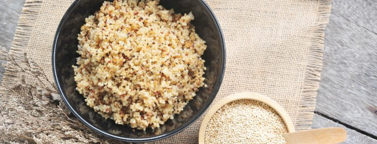 raw and cooked quinoa