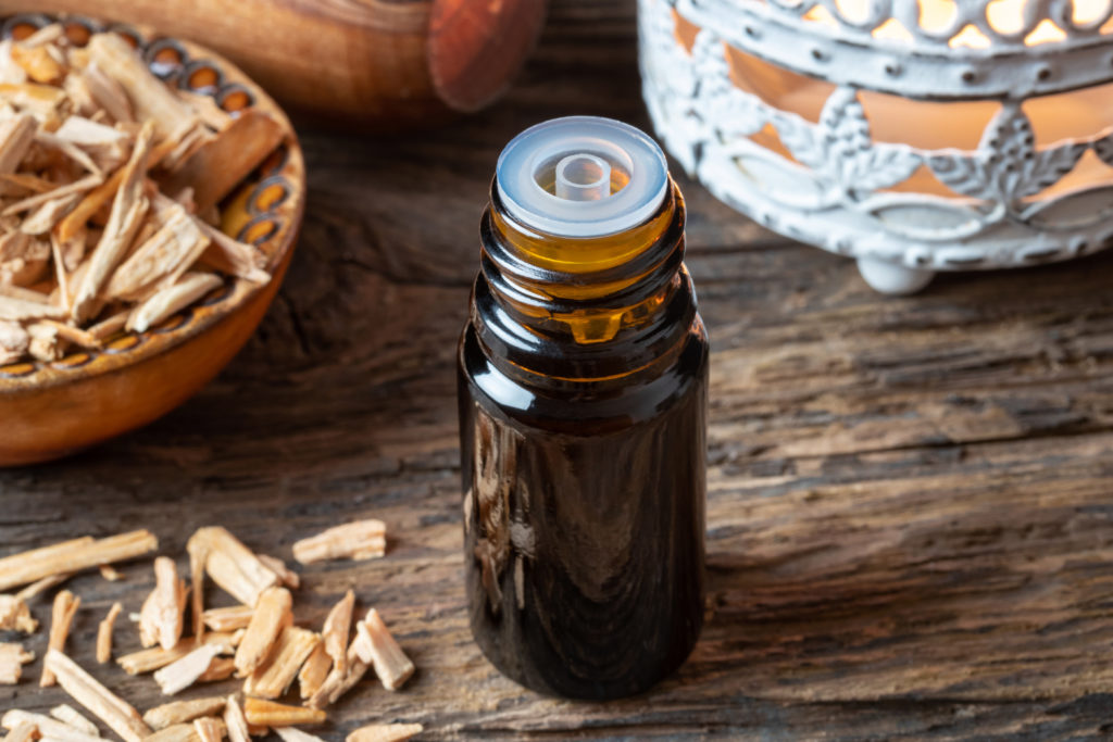 Cedarwood oil: Uses and benefits