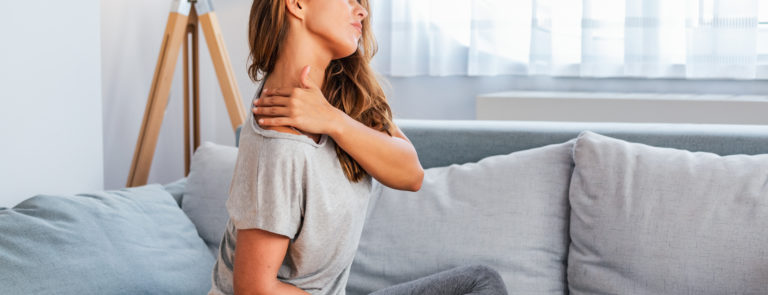 Possible causes of pain in your upper back